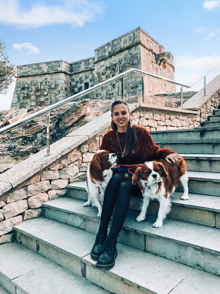 Two cavaliers and diary of a Spanglish girl Spain blogger at Moraira castle travel guide