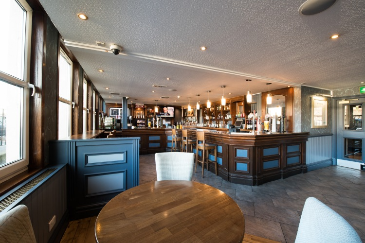 Jurys Inn Edinburgh Bar