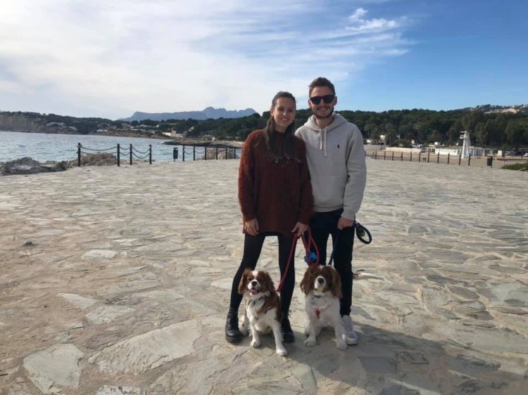 Couple and two dogs in Moraira