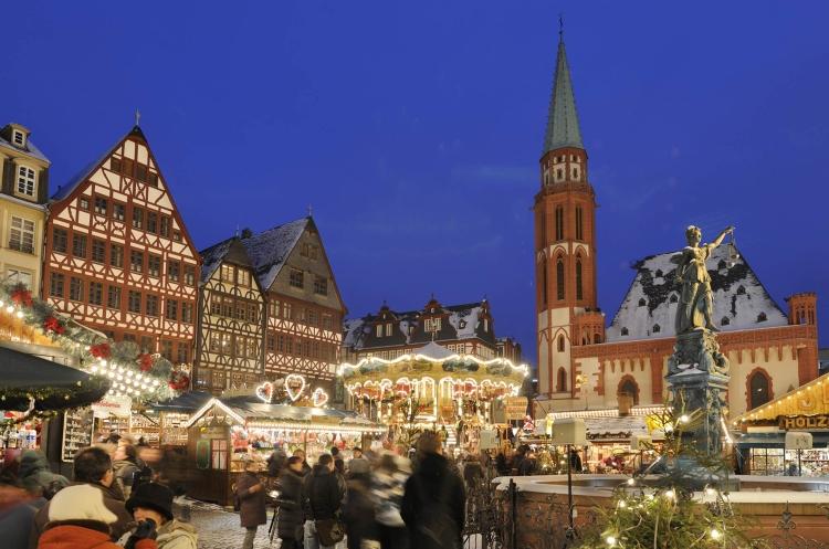 Frankfurter-Weihnachtsmarkt_Copyright-visitfrankfurt_Holger-Ullmann.jpg