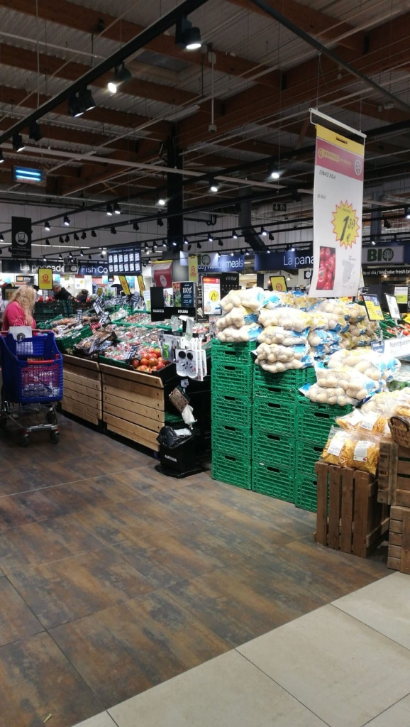 Carrefour Benidorm in lockdown