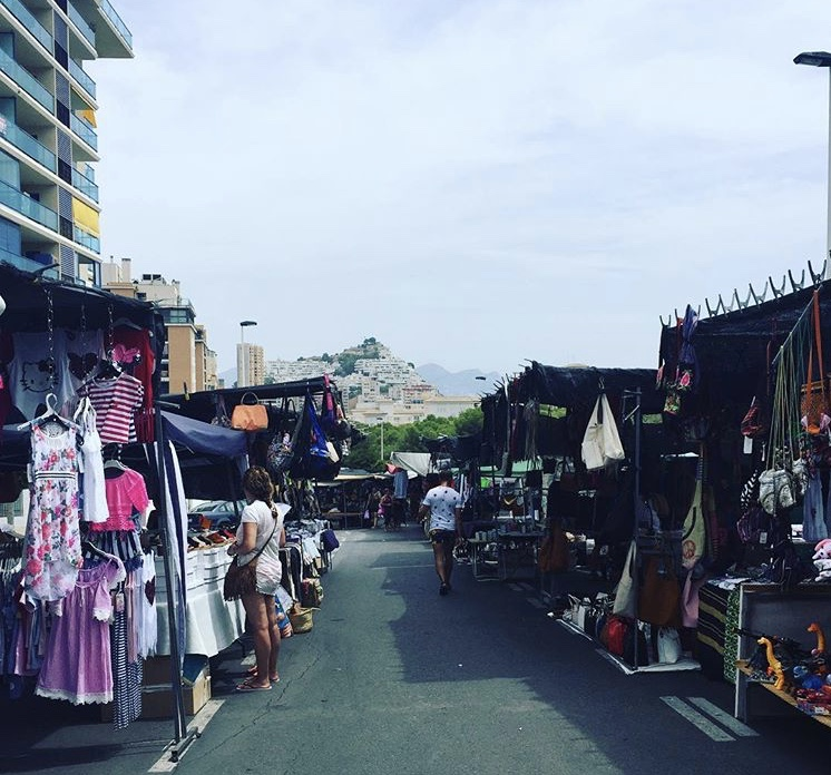 la cala finestrat and benidorm market days