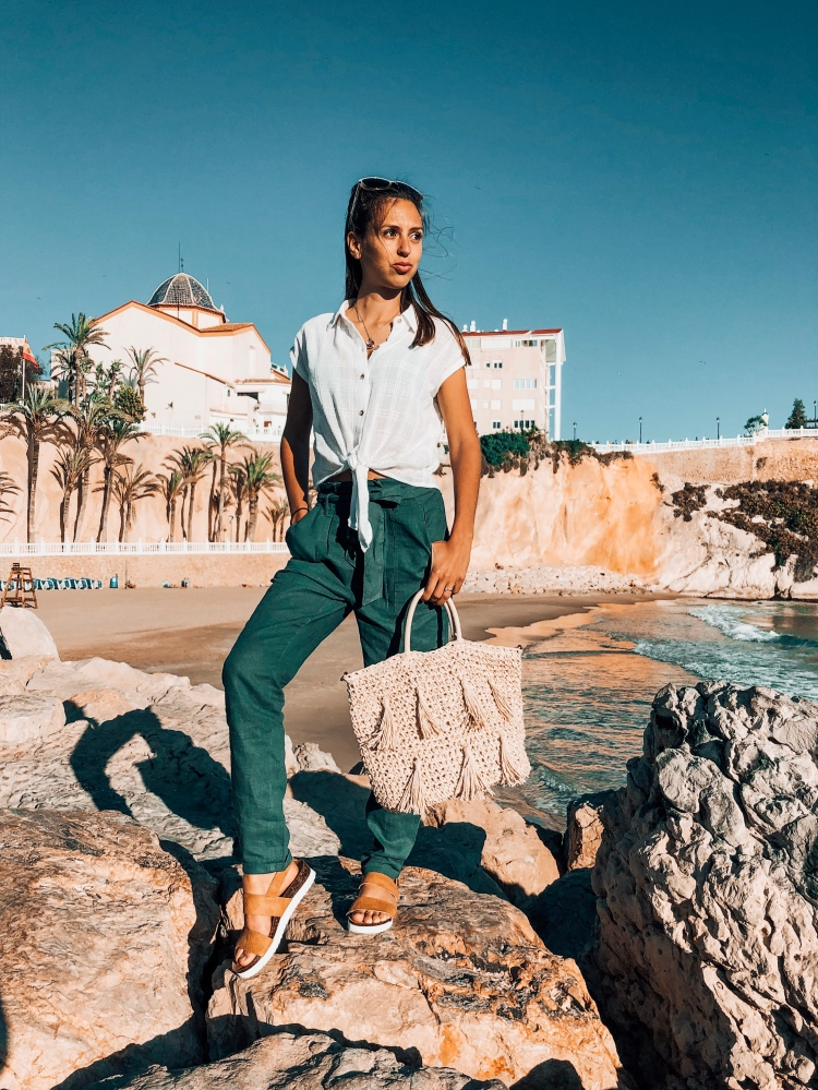 Green linen trousers spring styles 2019